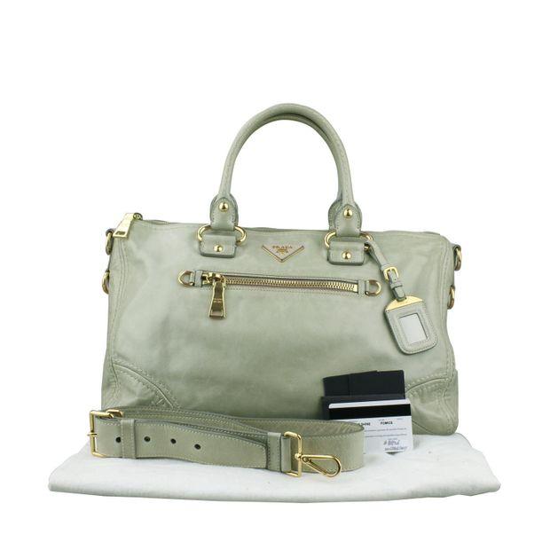 Green Calfskin leather Tote Bag by PRADA  4c50e90fe32ff