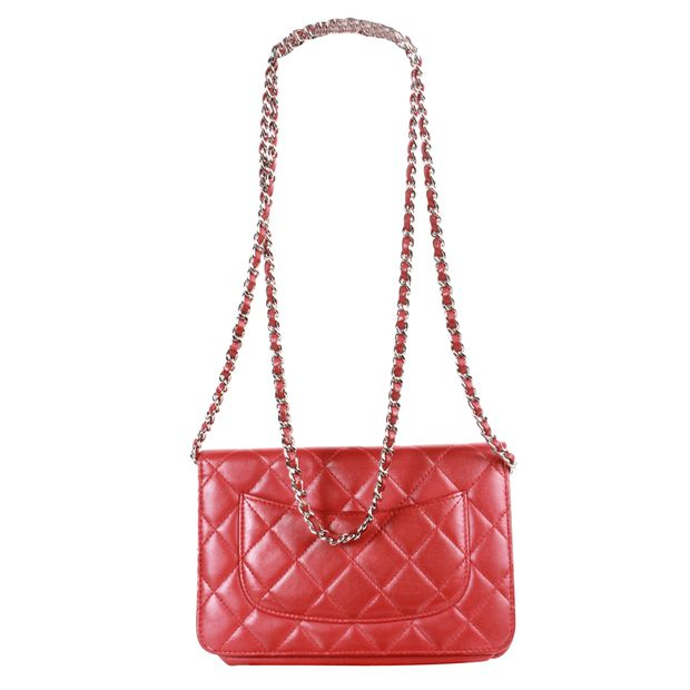 Red Wallet On Chain by CHANEL   StyleTribute.com 23521706fd6