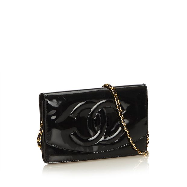 Patent Leather Wallet on Chain by CHANEL   StyleTribute.com 173fe72a507