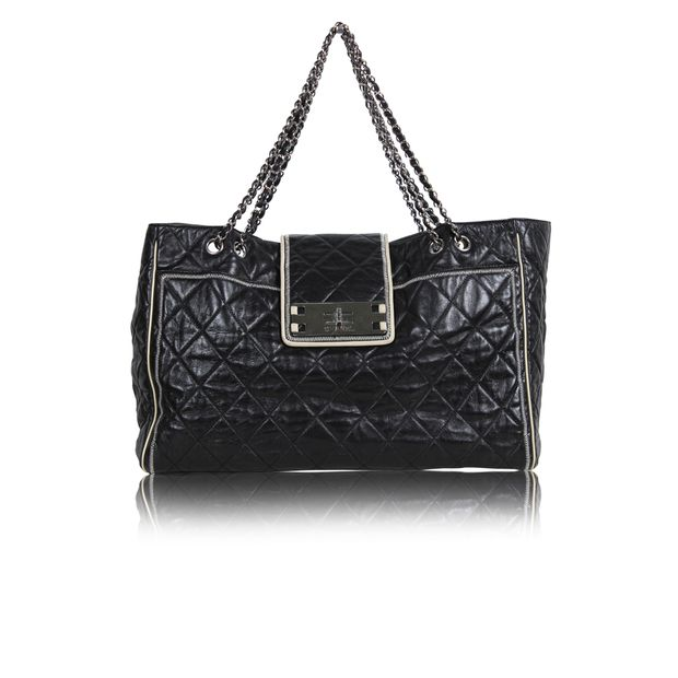 Black Sling Bag with Chain by CHANEL   StyleTribute.com 1d64844e039