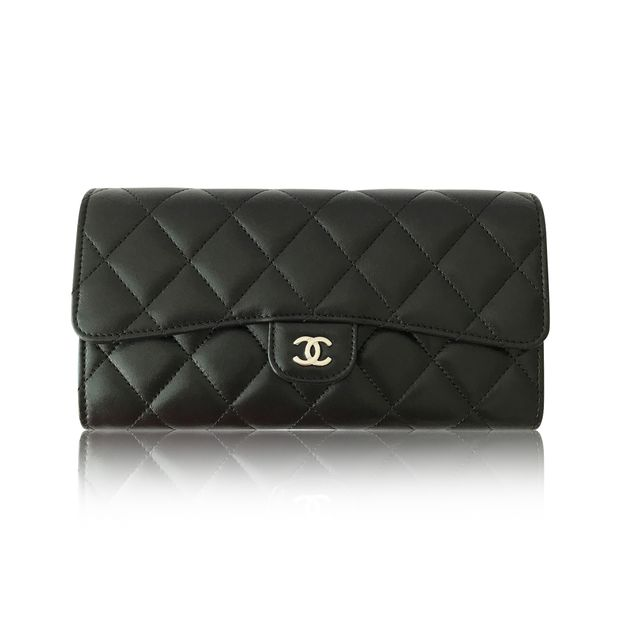 a2e160da1b53 Classic Flap Wallet by CHANEL | StyleTribute.com