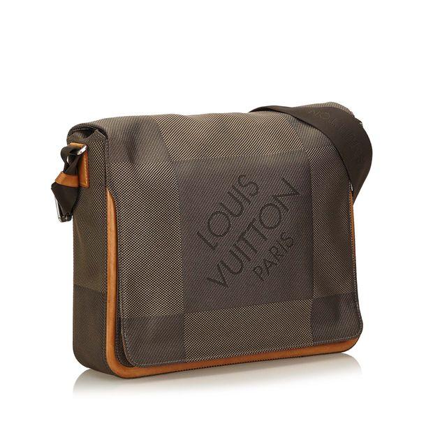 964a13c4136a2 Louis Vuitton LOUIS VUITTON Terre Damier Geant Canvas Messenger Bag 1  thumbnail ...