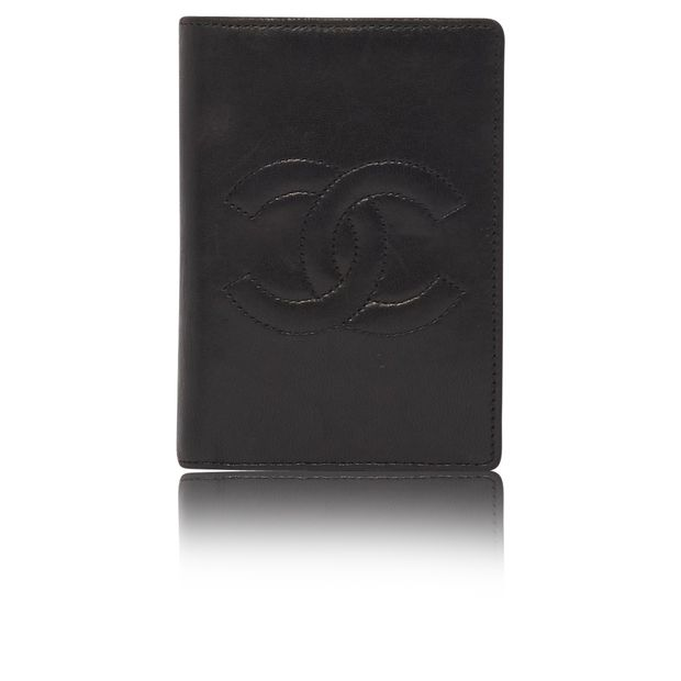 a660e975625 Vintage CC lambskin card holder and wallet by CHANEL
