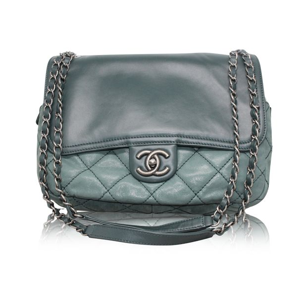 6841a39df6ead3 Green Quilted Leather Bag by CHANEL | StyleTribute.com