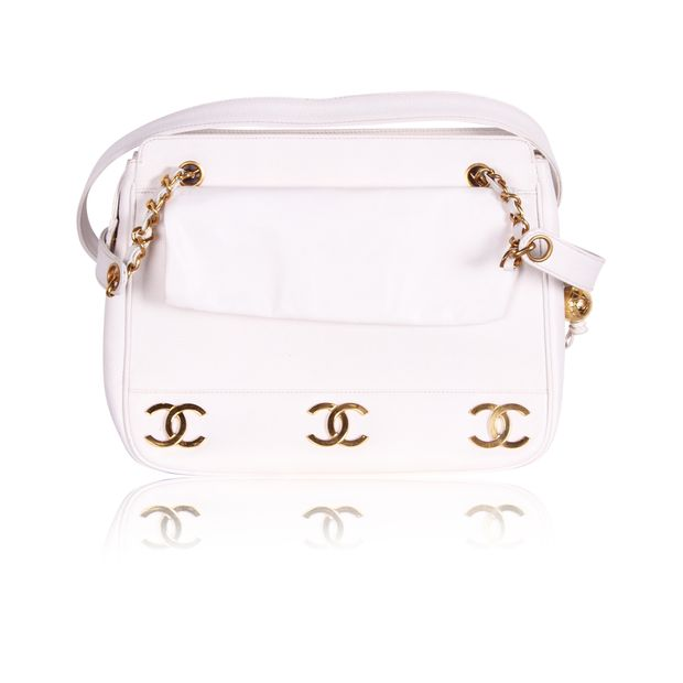 10cc122e447 Vintage White Cavier CC Logo Chain Shoulderbag by CHANEL ...