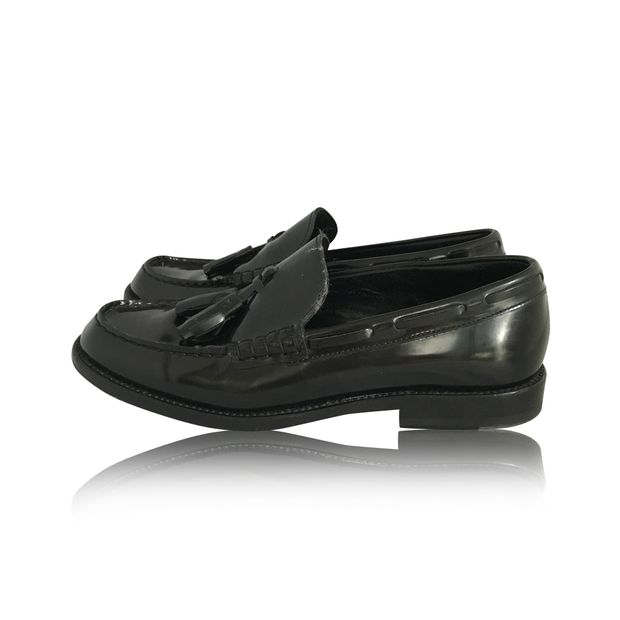 b6299715831 Black Leather Loafers With Tassels by SAINT LAURENT | StyleTribute.com