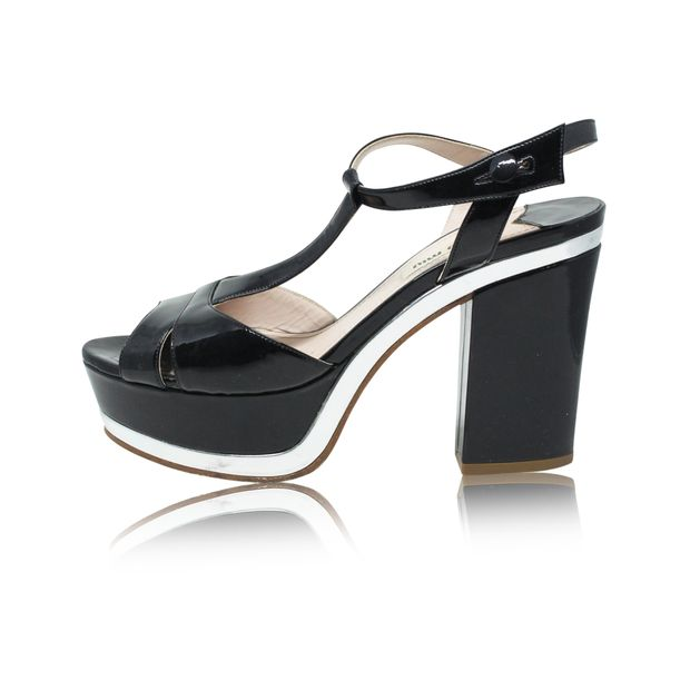 8127dd0905b8 MIU MIU Black and Silver T-Strap Patent Leather Block Heel Platform Sandals  ...
