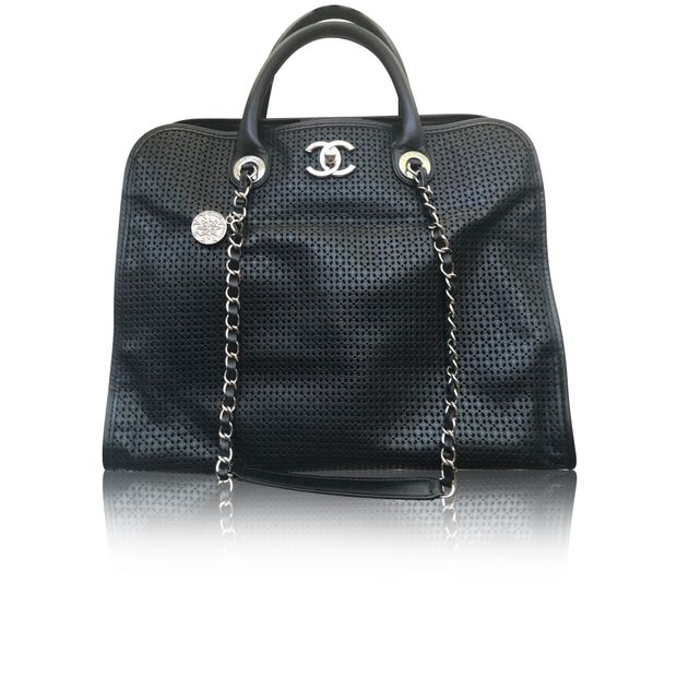 526f95fd0f1d Up in The Air Cruise Dubai Collection by CHANEL | StyleTribute.com