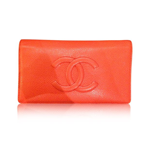 65406ad461f821 Caviar Long Wallet by CHANEL | StyleTribute.com