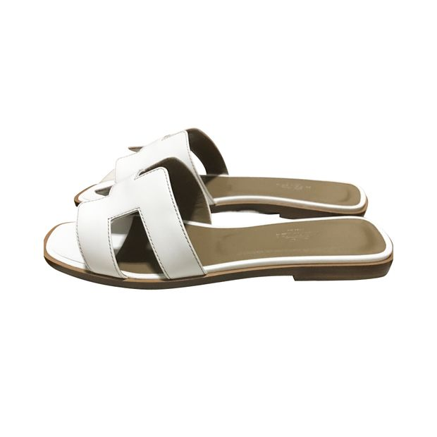 989df1034e36ae HERMÈS White Oran Sandals 0 thumbnail