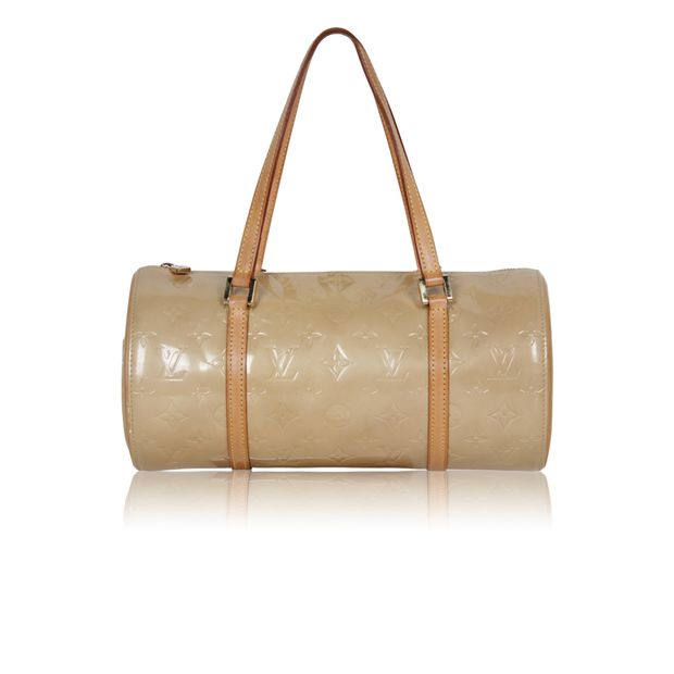 1994d0facece0 Bedford Bag in Beige Vernis by LOUIS VUITTON | StyleTribute.com
