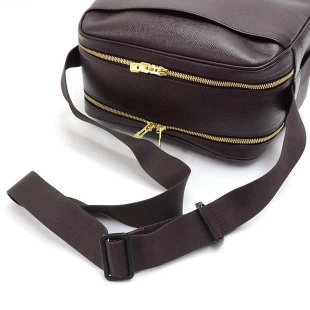 da138a334d0 LOUIS VUITTON Louis Vuitton Reporter PM Burgundy Taiga Leather Shoulder Bag  1 thumbnail
