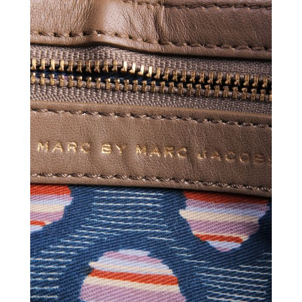 1a9651e5f6 MARC BY MARC JACOBS Taupe Lambskin Leather Shoulder Bag 5 thumbnail