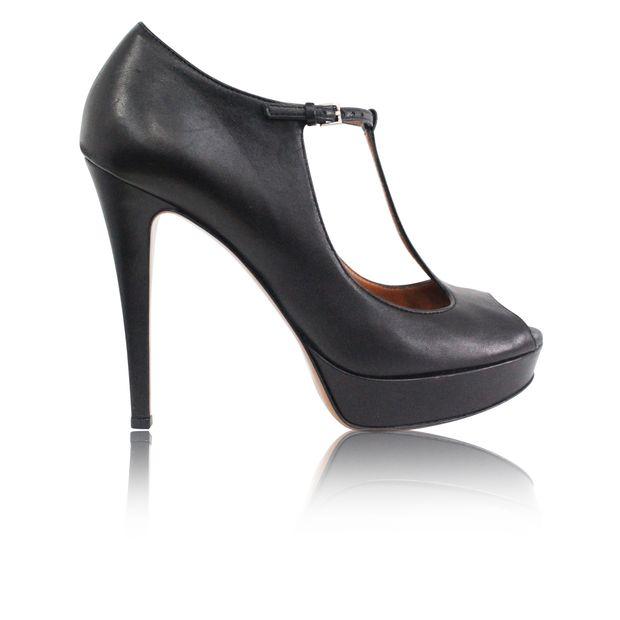 b9761e030e5 Black Acero Shoes by GUCCI