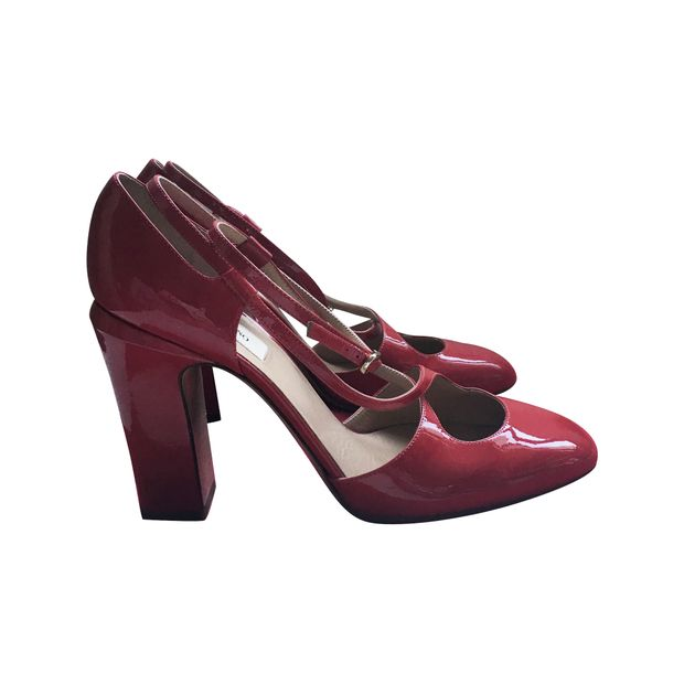 8bc4051c392 Tango Pumps In Red Patent by VALENTINO