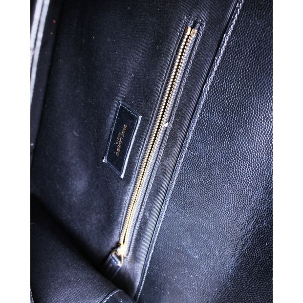 c771c5c3f67e YVES SAINT LAURENT Envelope Medium Bag In Grain De Poudre Embossed Black  Leather 7 thumbnail