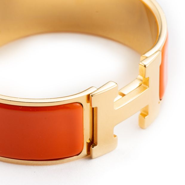 a294e4bf3a9cad HERMÈS Orange Enamel Gold Plated Clic-Clac H PM Wide Bracelet 6 thumbnail