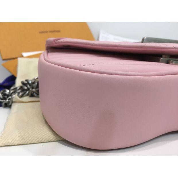 f42efc65573c LOUIS VUITTON New Wave Chain Bag PM 2 thumbnail