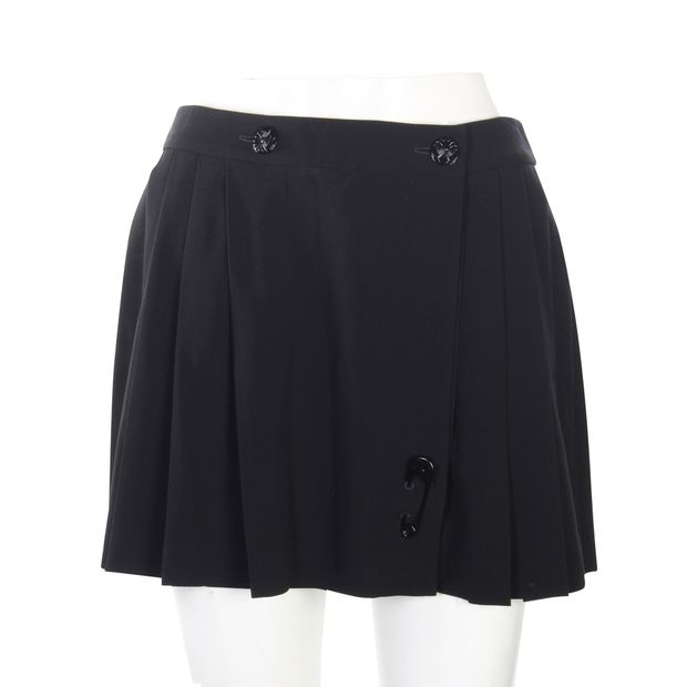 36f03784 Black Pleated Skirt