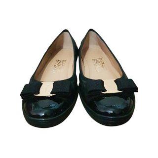 520bb89a Salvatore Ferragamo And Beige Classic Ballerinas Designer ...
