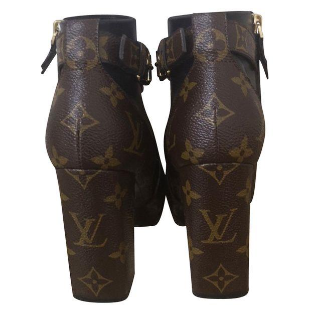 ad893f3ec66e LOUIS VUITTON Matchmake Ankle Boots 2 thumbnail