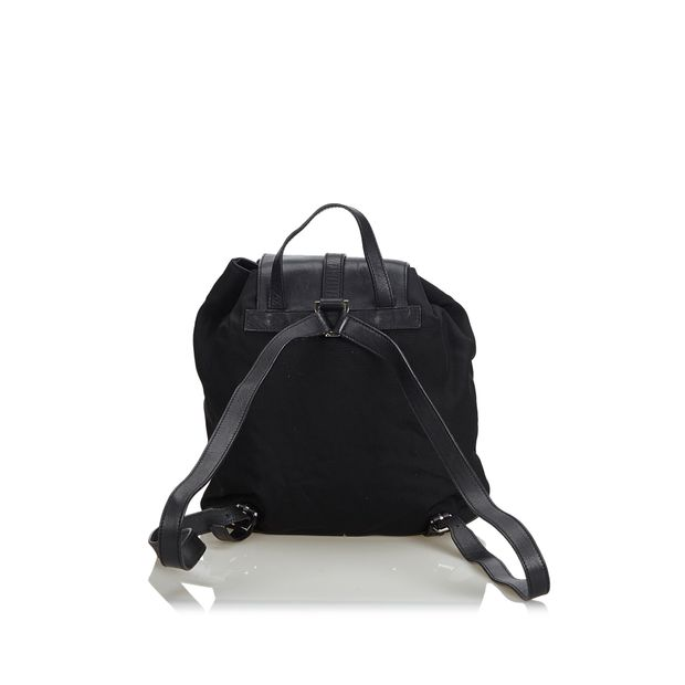 880d733a7ef2 Leather Jackie Drawstring Backpack by GUCCI | StyleTribute.com